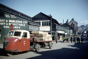 Castlefolds wholesale fruit and vegetable market, Broad Street showing (left) Uttley